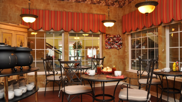 Bar & Lounge Magnolia Springs East - Assisted Living, Louisville, KY