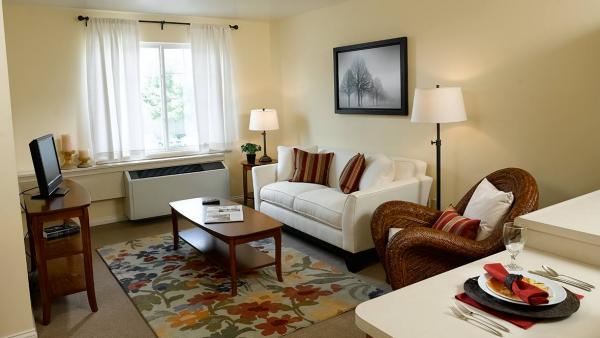 Spacious Suites Atria Springdale - Independent Living, Louisville, KY
